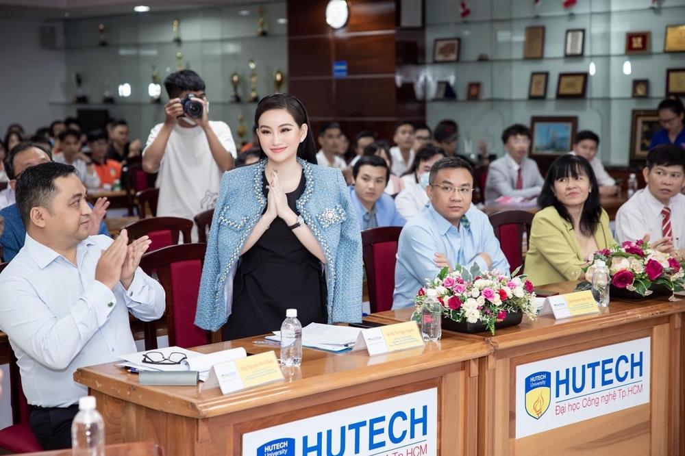 Doanh nhân Võ Thị Ngọc Huyền đảm nhận vai trò giám khảo cuộc thi HUTECH Startup Wings 2021