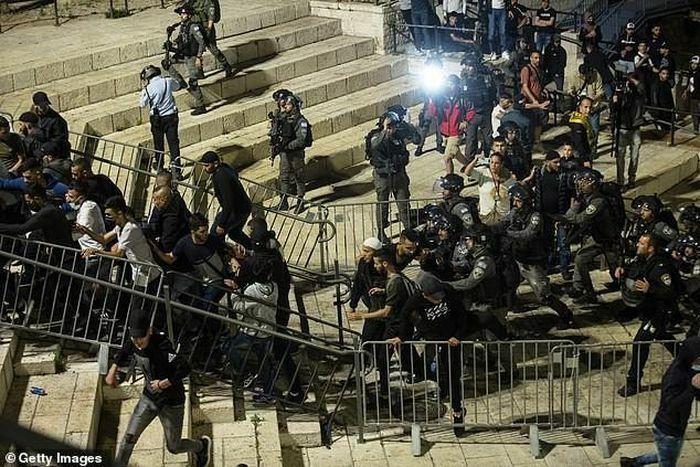 Đụng độ ở Đông Jerusalem, Thủ tướng Israel kêu gọi các bên kiềm chế