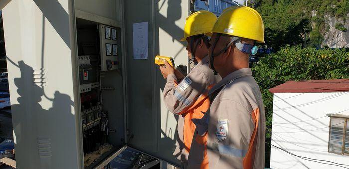 Trước 30/4, hoàn thành việc đóng điện 96/96 trạm biến áp chống quá tải