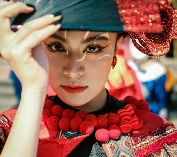 """""""Xuân phát tài"""" lần đầu mời Hoàng Thùy Linh, giảm bolero để xua nỗi buồn COVID-19"""