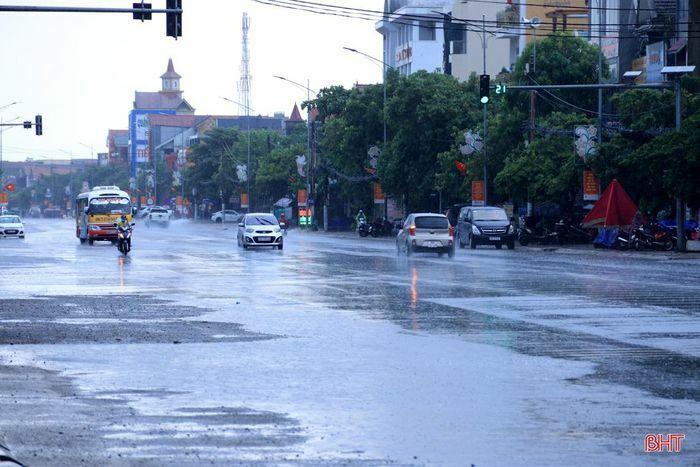 Hà Tĩnh xuất hiện mưa to, cảnh báo lũ quét, lở đất, ngập úng cục bộ