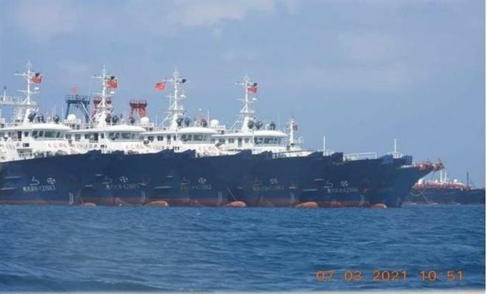 """Cố vấn Tổng thống Philippines cảnh báo """"hành động thù địch"""" của tàu Trung Quốc"""