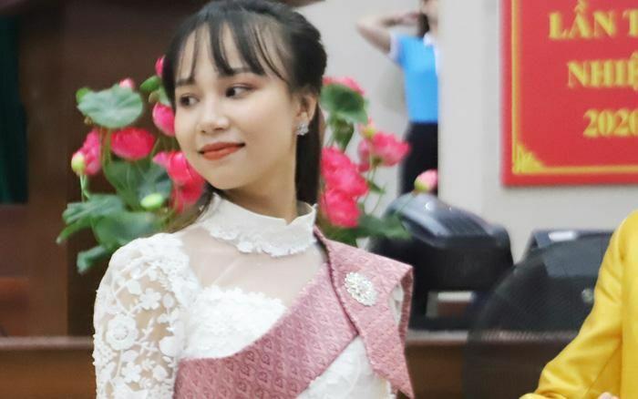 Chúc mừng Tết Chôl Chnăm Thmây và tặng 150 phần quà cho phụ nữ Khmer