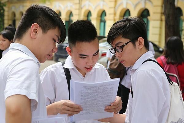 Băn khoăn chính sách học bổng cho học sinh chuyên ở Hà Nội