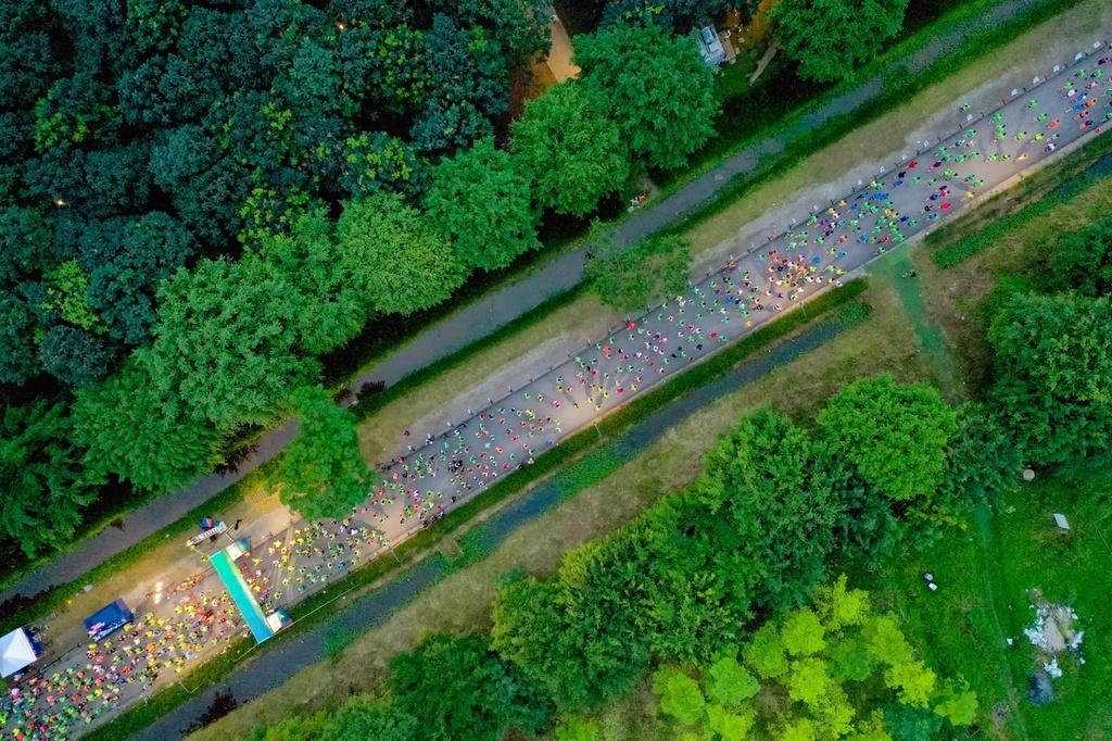 Ecopark Marathon ấn tượng với 'cung đường chạy đẹp nhất Việt Nam'