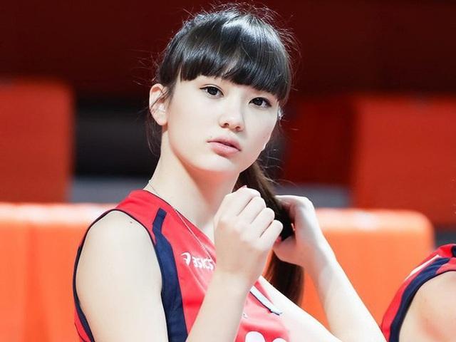 Nữ thần bóng chuyền châu Á bị xa lánh vì… quá xinh đẹp