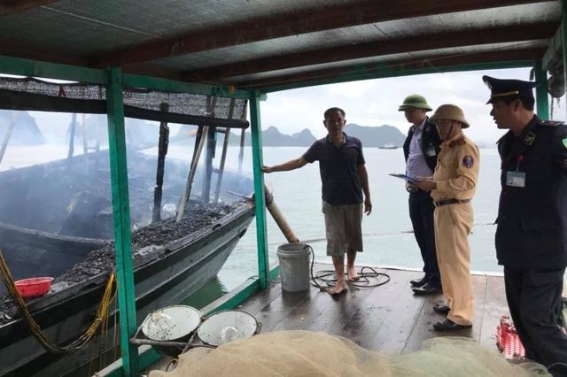 Nổ bình gas trên tàu cá, 3 anh em ruột bị bỏng nặng