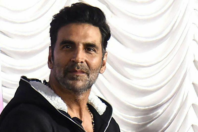 Tài tử hàng đầu Bollywood mắc Covid-19 khi dịch bệnh tăng kỷ lục ở Ấn Độ
