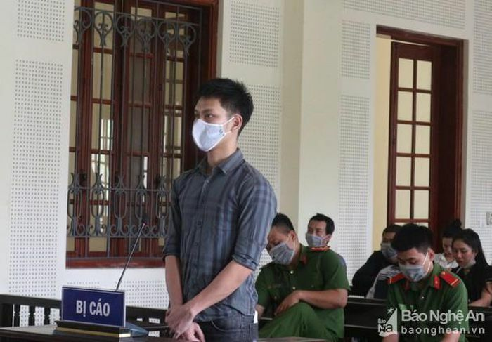 Tuyên án kẻ đổ xăng đốt đồng nghiệp vì nợ nần
