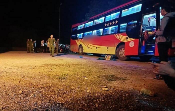 Dừng ăn tối bên đường, nhà xe tá hỏa phát hiện hành khách tử vong