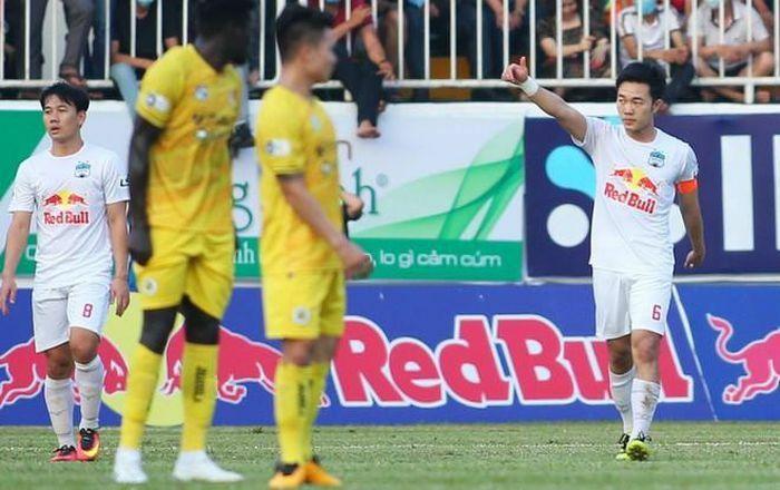 """Xuân Trường """"xé lưới"""" Hà Nội FC, HAGL thắng trận thứ 6 liên tiếp"""