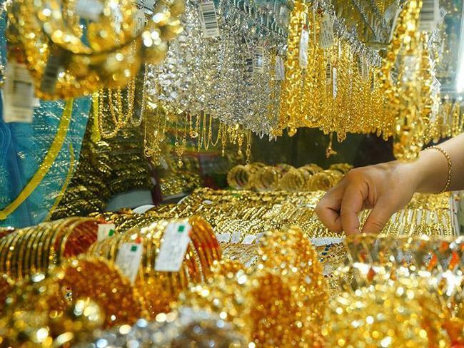 Giá vàng hôm nay 3/4: Lấy lại những gì đã mất, vàng chốt tuần ở mức cao