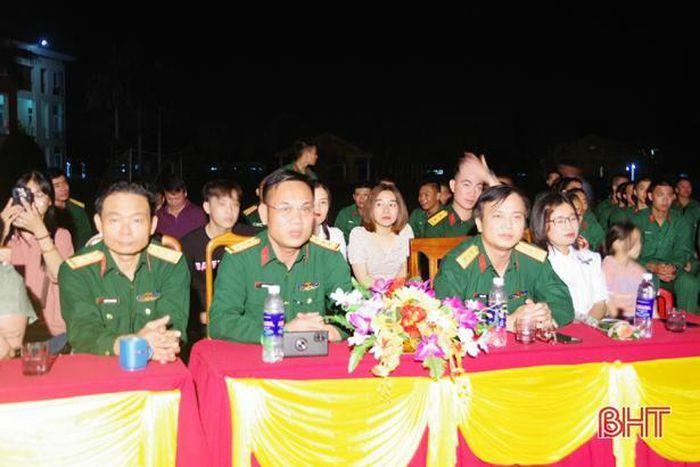 Đoàn Văn công Quân khu 4 biểu diễn phục vụ cán bộ, chiến sỹ Trung đoàn 841