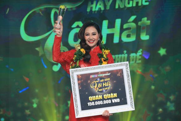 """Hà Thúy Anh đoạt quán quân """"Hãy nghe tôi hát"""" sau thời gian dài thi game show"""