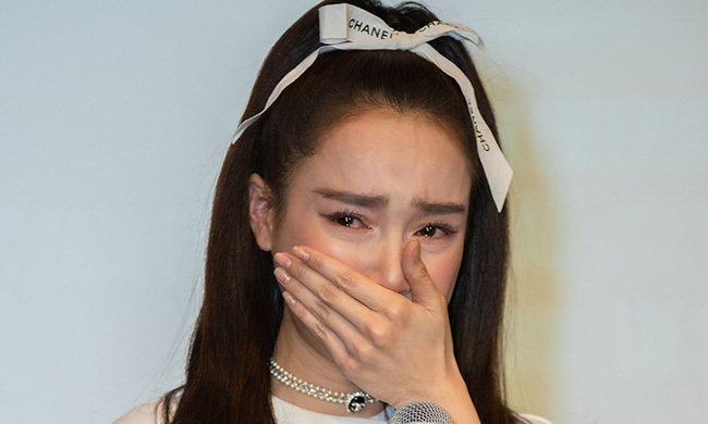"""Phía đạo diễn Nhất Trung chính thức lên tiếng, xác nhận Nhã Phương chính là nữ diễn viên """"mắc bệnh ngôi sao"""""""