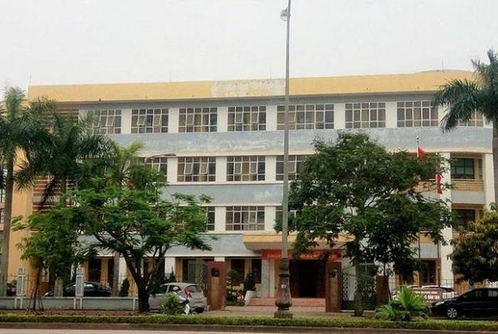 Quảng Bình: Làm rõ việc Giám đốc sở GD&ĐT ký tuyển 8 biên chế trước nghỉ hưu 3 ngày