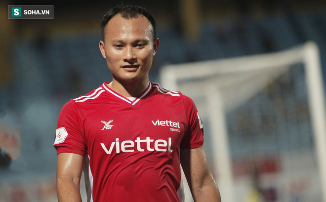Trọng Hoàng lỡ vòng loại World Cup vì chấn thương, HLV Park lại đau đầu