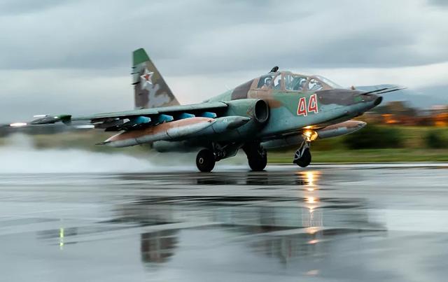 Nga đưa 50 máy bay chiến đấu đến Crimea