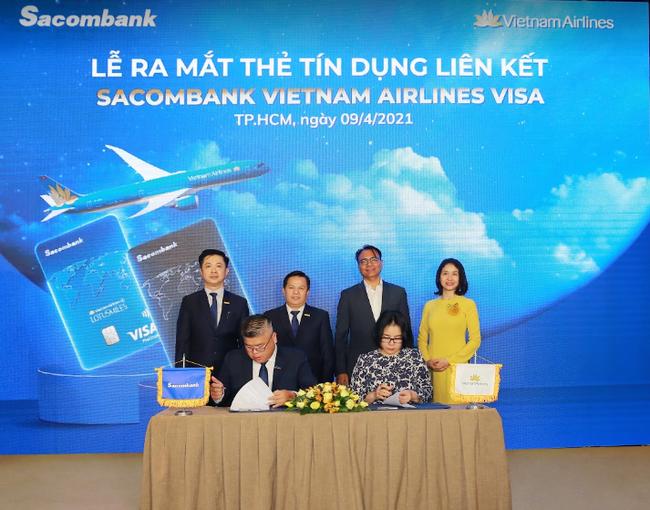 Vietnam Airlines và Sacombank chính thức ra mắt sản phẩm thẻ tín dụng liên kết