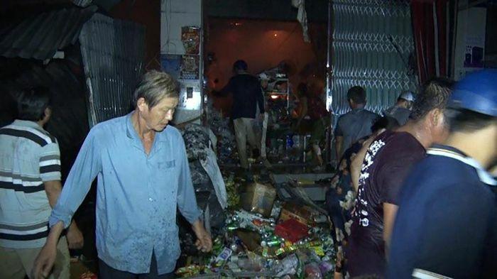 Phú Tân xảy ra hỏa hoạn ven chợ bắc Cái Đầm