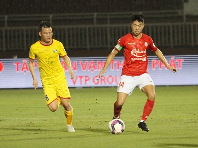 Lee Nguyễn ghi bàn giúp CLB TPHCM thắng đậm SL Nghệ An