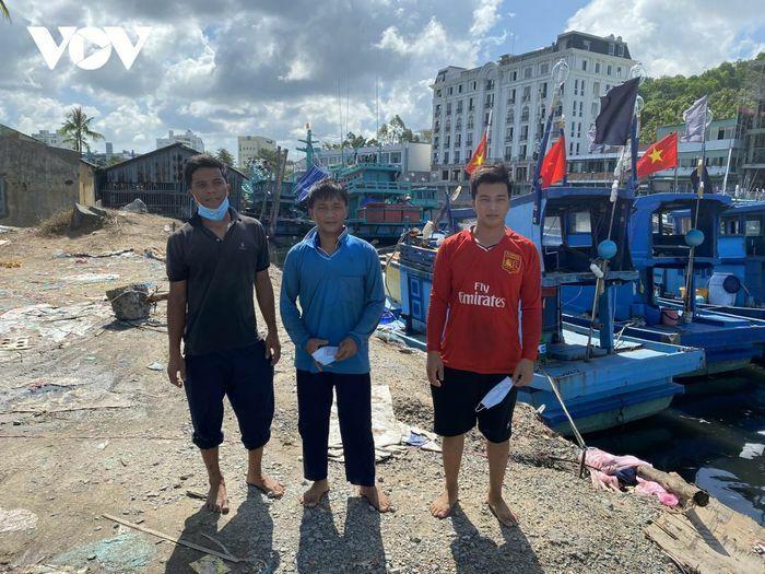 Bắt 11 người nhập cảnh trái phép từ Campuchia, về Việt Nam bằng đường biển