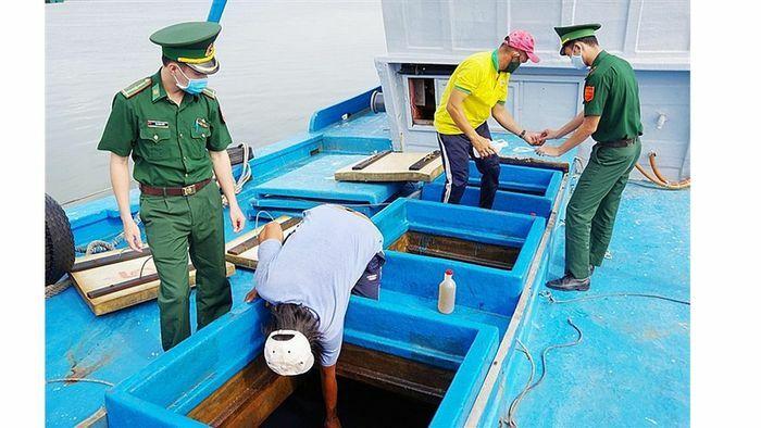 Bà Rịa – Vũng Tàu: Điều tra vụ vận chuyển 80.000 lít dầu không rõ nguồn gốc