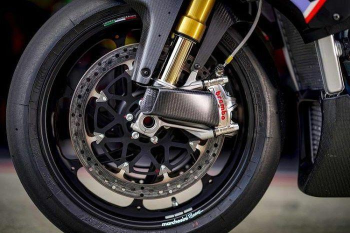 Công nghệ phanh ABS và CBS trên môtô và xe máy thế nào?