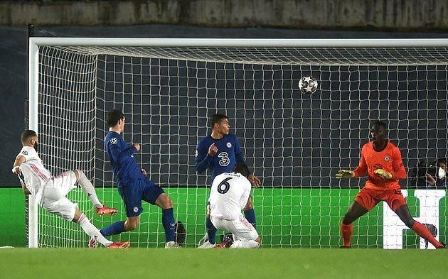 Rio Ferdinand nêu tên cầu thủ Real hoàn hảo cho Chelsea