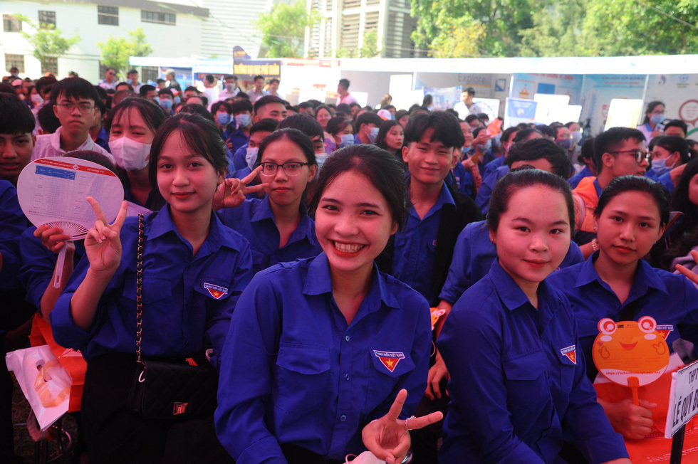 Tư vấn tuyển sinh ở Quảng Nam: Học sinh quan tâm đăng ký xét tuyển online