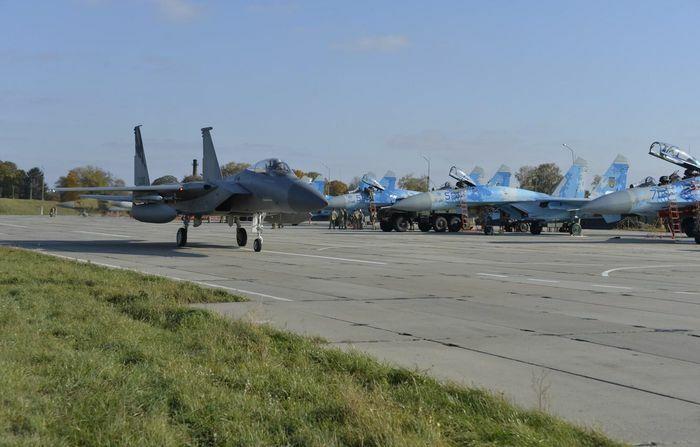 Chuyên gia Mỹ đề xuất cung cấp 100 chiến đấu cơ tối tân cho Ukraine