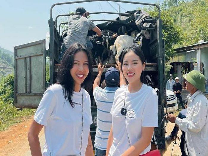 Kỳ Duyên, Minh Triệu tặng dê giống cho bà con ở Quảng Nam