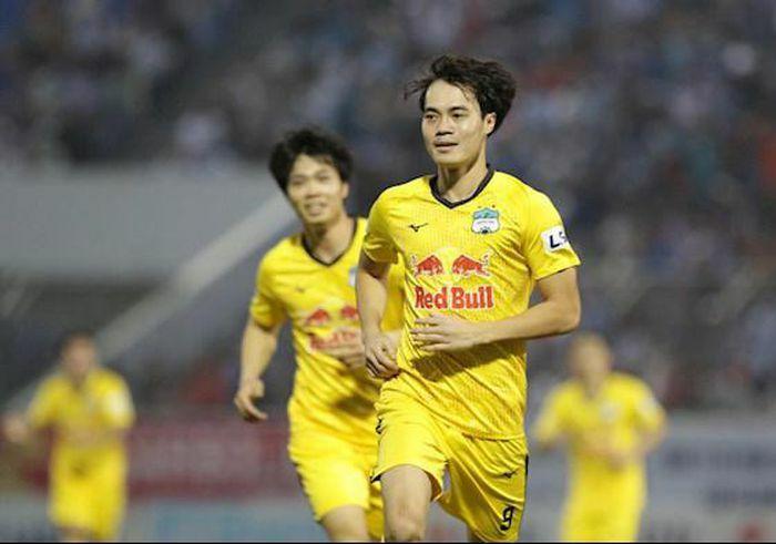 Văn Toàn, Công Phượng ghi bàn, Hoàng Anh Gia Lai trở lại ngôi đầu V.League