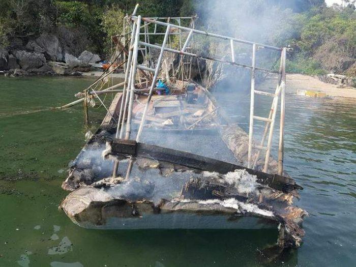 Quảng Ninh: 3 người bỏng nặng sau khi bình ga trên tàu đánh bắt hải sản phát nổ