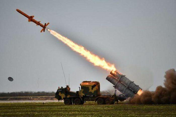 "Triển khai tên lửa Neptune, Ukraine dọa phá Cầu Crimea trong ""một nốt nhạc"""