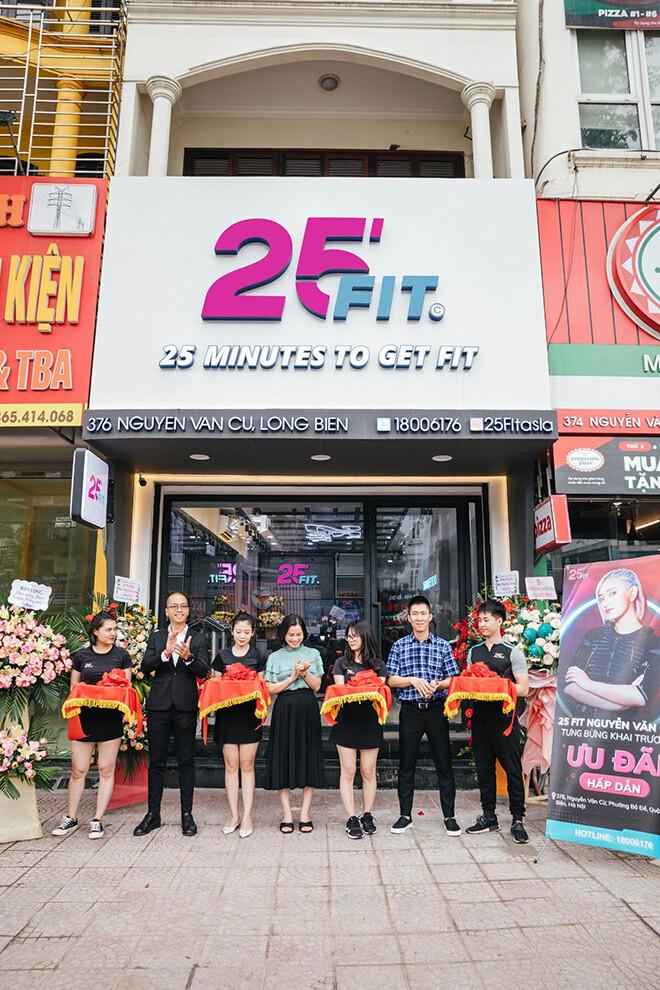 Mô hình tập luyện công nghệ EMS thu hút cư dân tại Long Biên