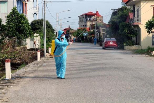Hưng Yên phong tỏa một thôn với hơn 1.200 người dân