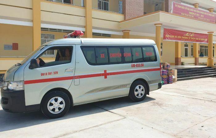 Trao tặng xe cấp cứu trị giá hơn 250 triệu đồng cho người dân Bạc Liêu