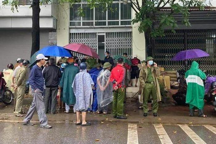 Phát hiện thi thể hai vợ chồng trong ngôi nhà khóa cửa ở Lào Cai