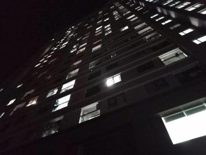 Bé gái rơi từ tầng cao chung cư Xuân Mai Complex xuống đất tử vong