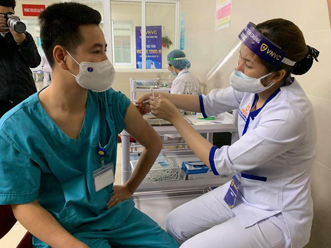 Các trường hợp tiêm vaccine AstraZeneca ở Việt Nam đều an toàn