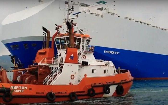 Tàu Israel bị trúng đạn tên lửa ở ngoài khơi UAE