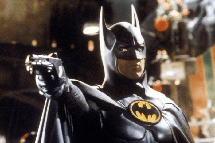 """The Flash"" khởi quay với Michael Keaton trong vai Batman"