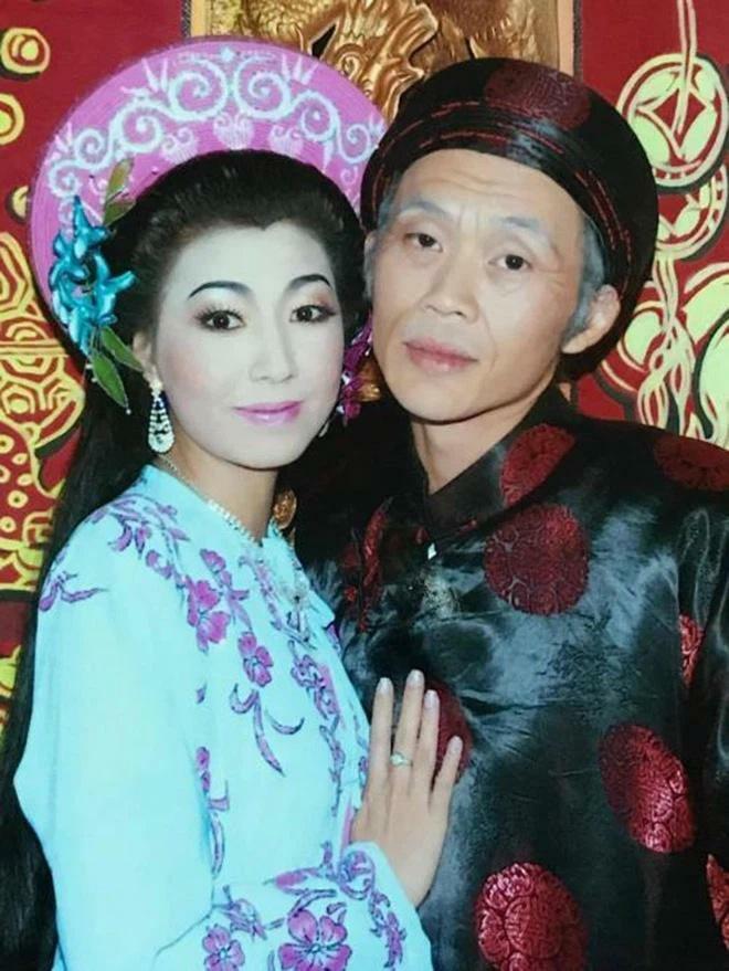Thay chồng đối đáp, ai ngờ bà Hà My vợ Hoài Linh lại có điểm giống hệt bà Phương Hằng