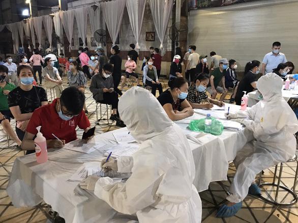 """Bắc Ninh phát hiện thêm 14 ca mắc COVID-19 ở """"ổ dịch"""" Thuận Thành"""