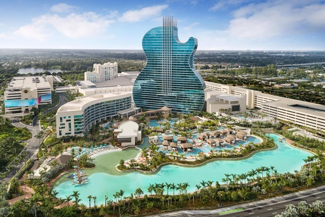 Khám phá khách sạn đàn guitar khổng lồ nơi tổ chức Hoa hậu Hoàn vũ