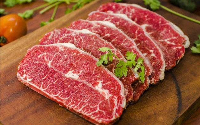 Bị sốt xuất huyết có được ăn thịt bò, uống sữa không?