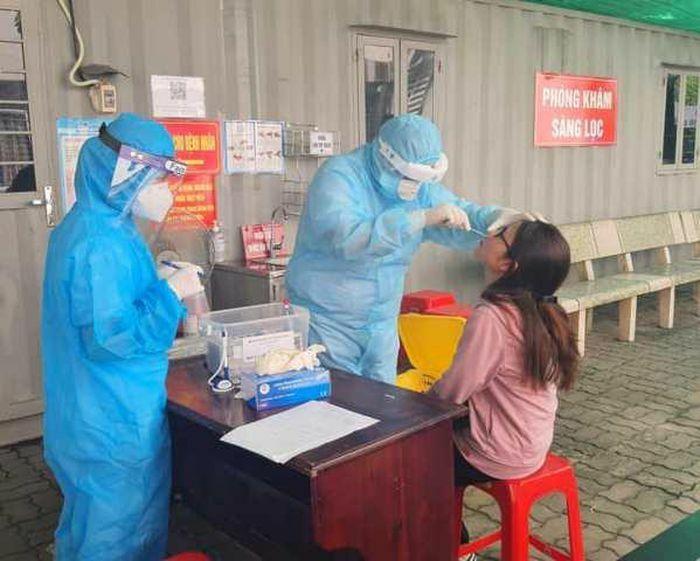 Công điện: Khẩn trương giãn cách và tăng cường xét nghiệm tại bệnh viện tuyến cuối
