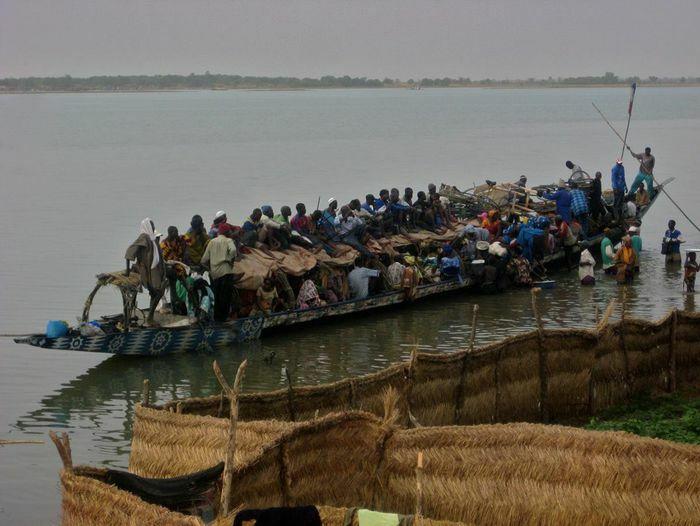 Chìm thuyền tại Nigeria, hơn 150 người nghi chết đuối