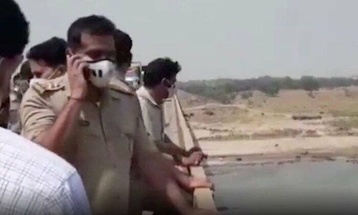 """Phát hiện nhiều thi thể dạt vào bờ, Ấn Độ phải """"giăng lưới qua sông Hằng"""""""